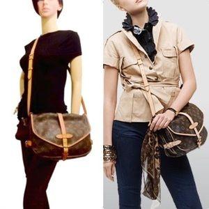 Auth Louis Vuitton Saumur 30 Crossbody Bag